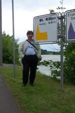 Sonstiges/919/das-war-2005-als-wir-am Das war 2005, als wir am Rhein dieses Schild für eine Kirche mit meinem Namen entdeckten